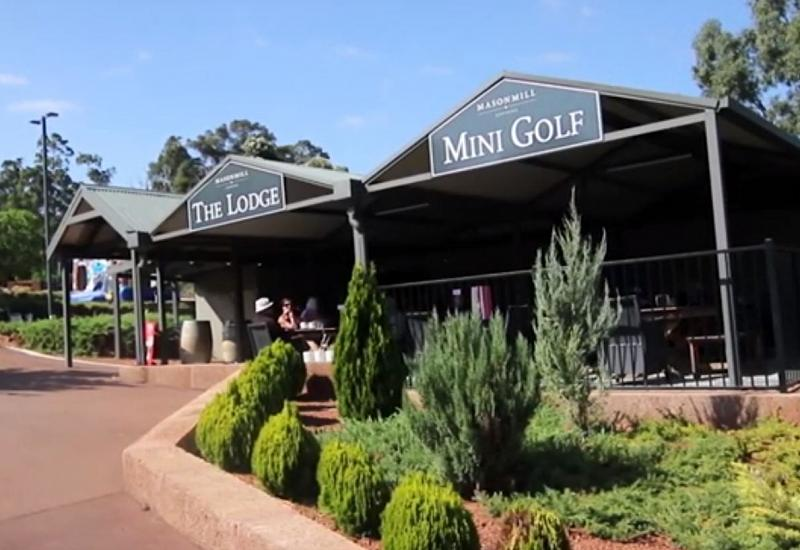 Lodge Cafe and Mini Golf